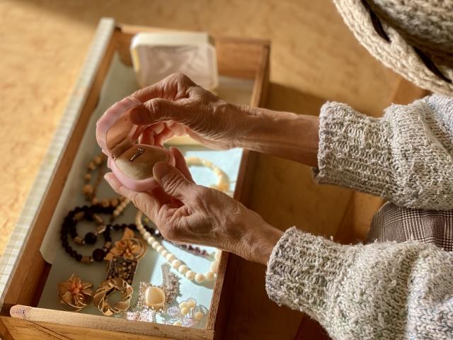 思い出の婚約指輪