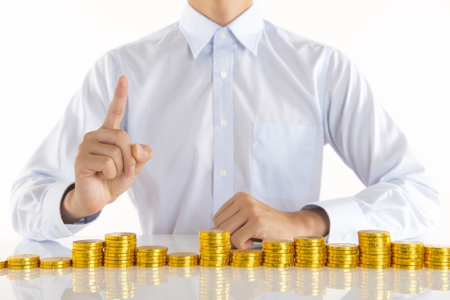 お金と独身男性